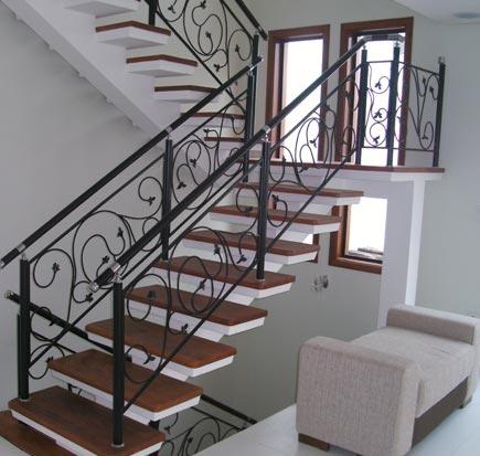 Escadas pré montadas